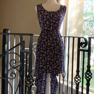 Dresses & Skirts - Summertime Hi Lo dress 👗